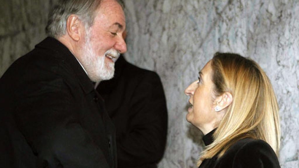 Ana Pastor y Jaime Mayor Oreja