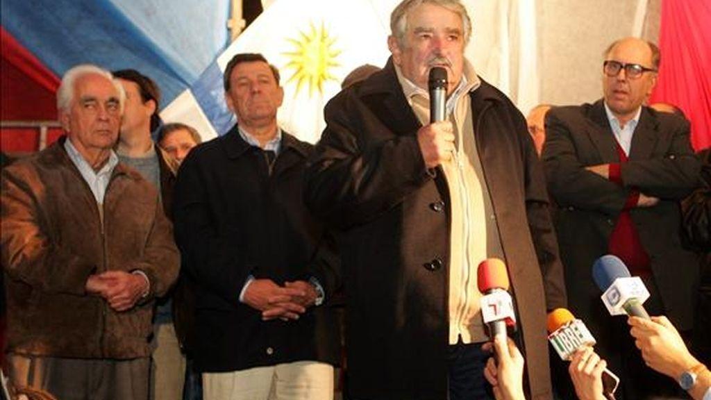"""""""Pepe"""" Mujica, como se le conoce, tuvo el apoyo final del 49,81% de los votantes del Frente Amplio. EFE"""
