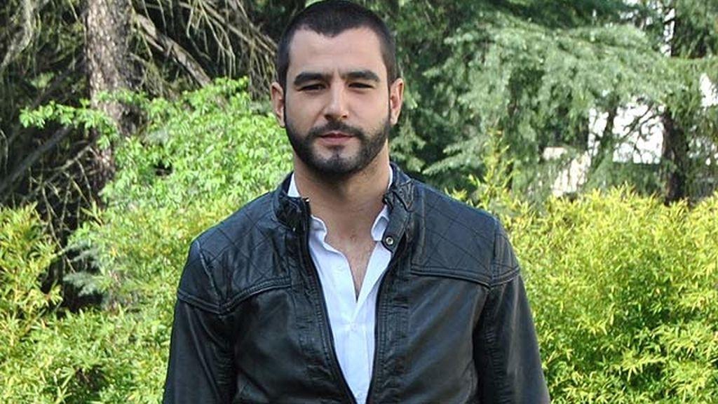 Antonio Velázquez encarna al personaje de Juan Torres