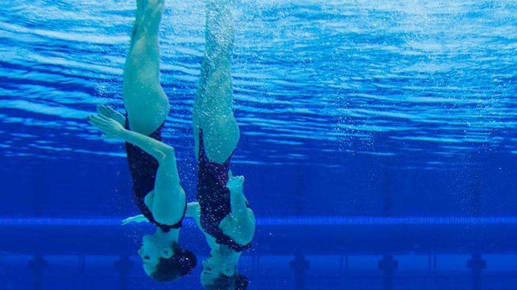 Ona Carbonell y  Andrea Fuentes compitiendo en Londres 2012, natación sincronizada