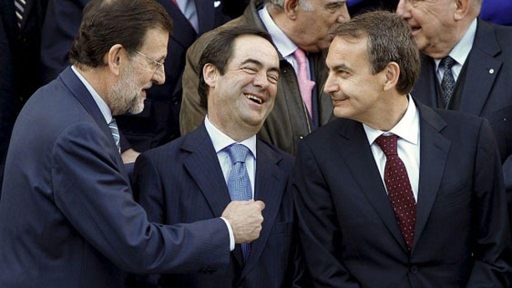 Rajoy, Bono y Zapatero en la foto de familia