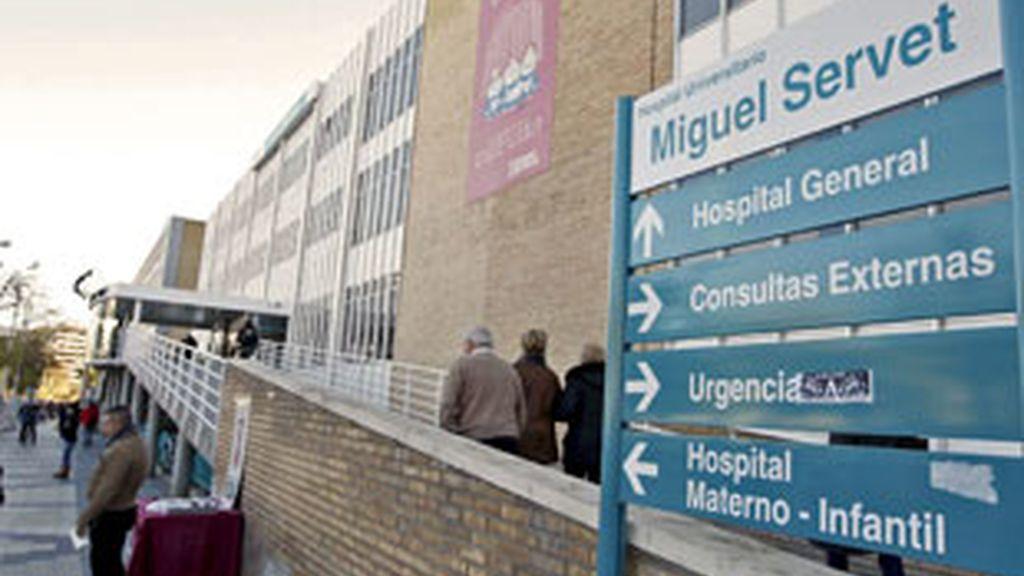 Fachada del Hospital Miguel Servet de Zaragoza, en cuyo módulo de presos se encuentra ingresado Santiago Mainar. Foto: EFE.