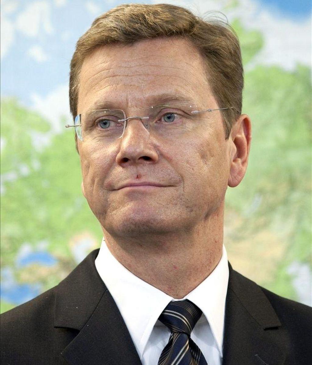 Imagen en la que se ve al ministro alemán de Asuntos Exteriores, Guido Westerwelle, en Tokio, Japón. EFE/Archivo