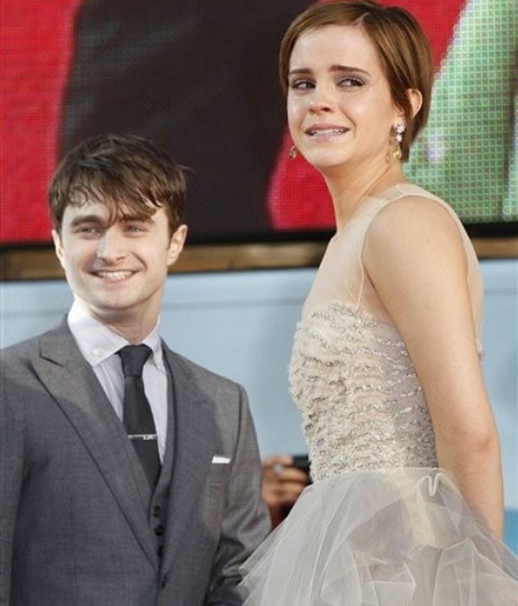 Emma Watson llora, emocionada, al llegar a la première