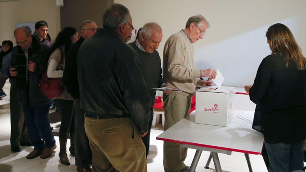 Miltantes socialistas eligen a su candidato a la Comunidad de Madrid