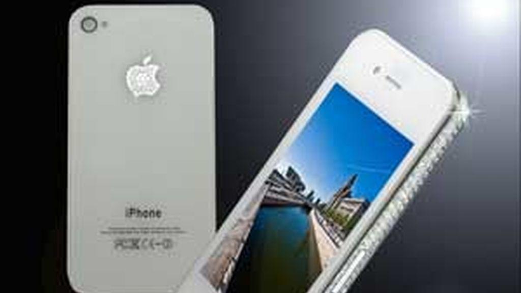 La última versión del lujoso móvil, el iPhone4 FOTO:GTRES