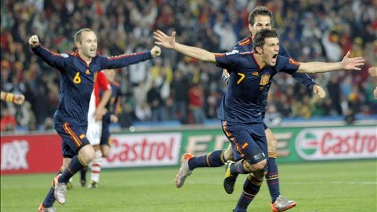 David Villa, eliminó con su gol a una rocosa Paraguay