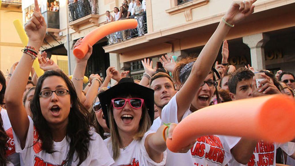 Fans con camisetas de Tonterías y corchopanes