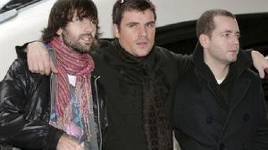 El Canto del Loco durante la presentación de la película 'Personas'. Foto: EFE