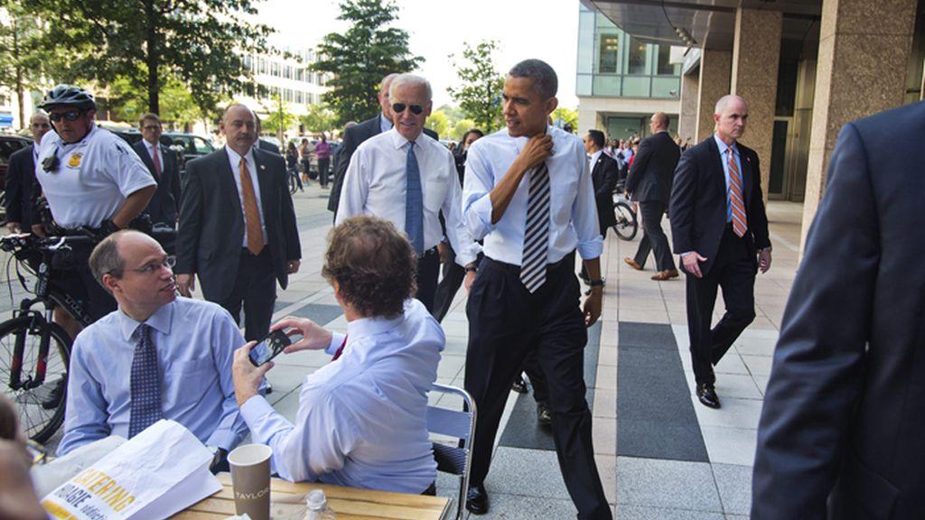 Obama acude a un restaurante en solidaridad con los funcionarios sin sueldo