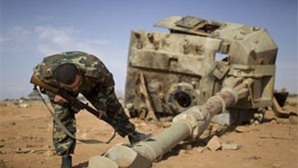 Los rebeldes libios critican a la OTAN por dejar a su suerta la población de Misrata. Vídeo: Informativos Telecinco
