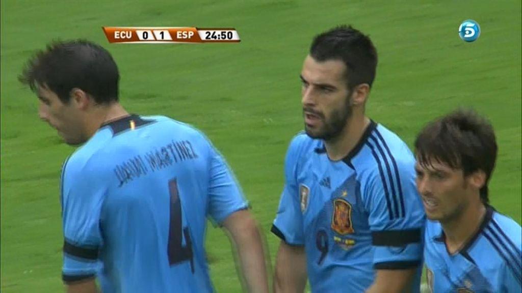 Negredo marcó el único gol del primer tiempo