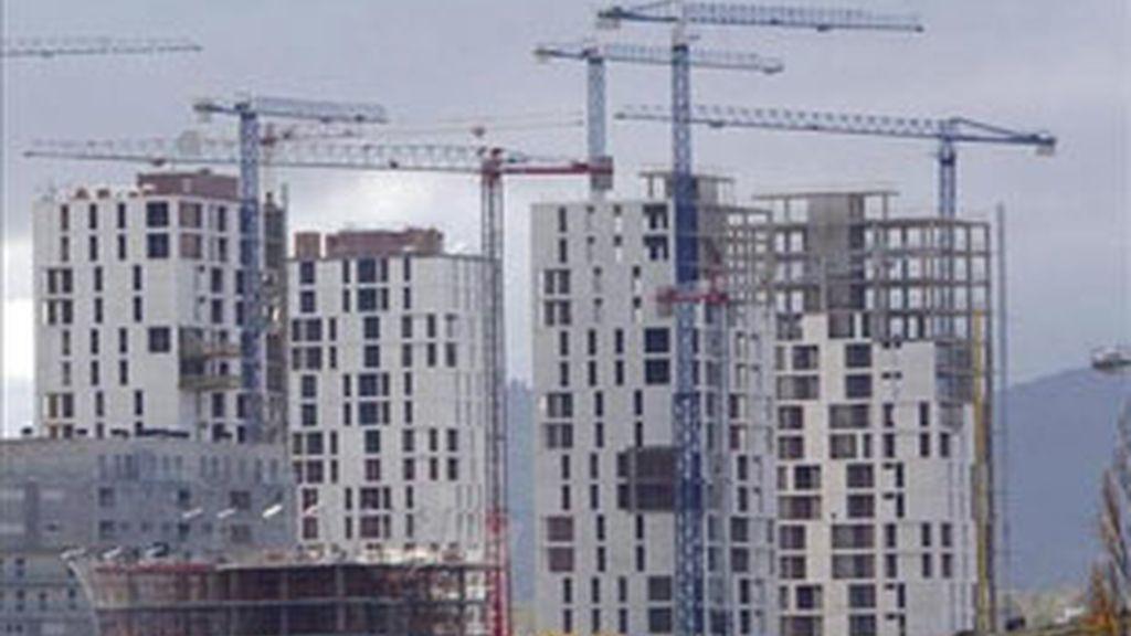 El número de hipotecas constituidas sobre viviendas cayó un 42,4% en junio en relación a igual mes de 2010.