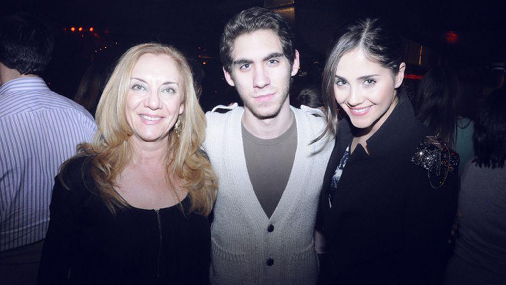 Lucía Ramos junto a sus acompañantes Begoña Fernández-Izaguirre y David Laguía