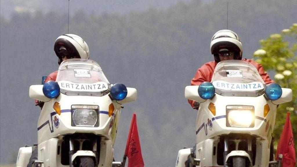 Agentes de la Ertzaintza encargados de la vigilancia y seguridad del Tráfico en Euskadi. EFE/Archivo