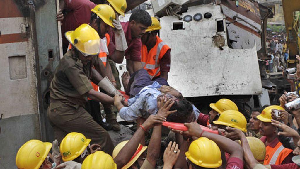 decenas de fallecidos y cientos de heridos