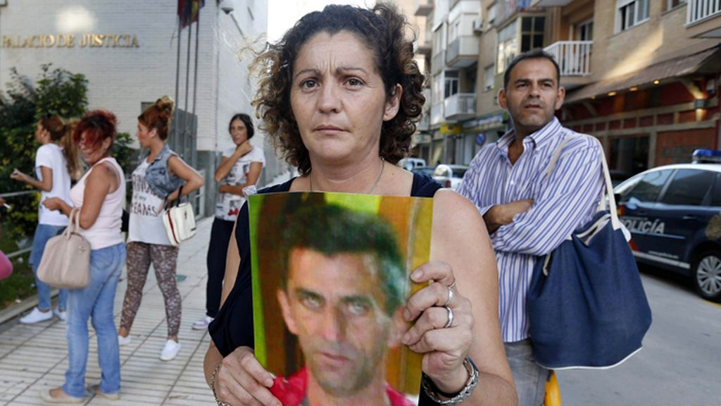 Interrogan a los policías acusados de asesinar en Cratagena a Diego Pérez Tomás