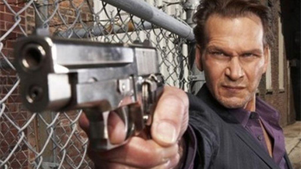 Patrick Swayze en una imagen promocional de su último trabajo, la serie 'The Beast'. Foto: AP