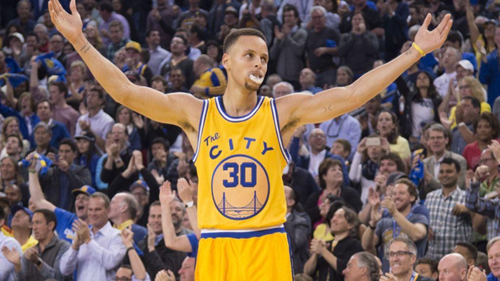 Stephen Curry, primer MVP elegido por unanimidad