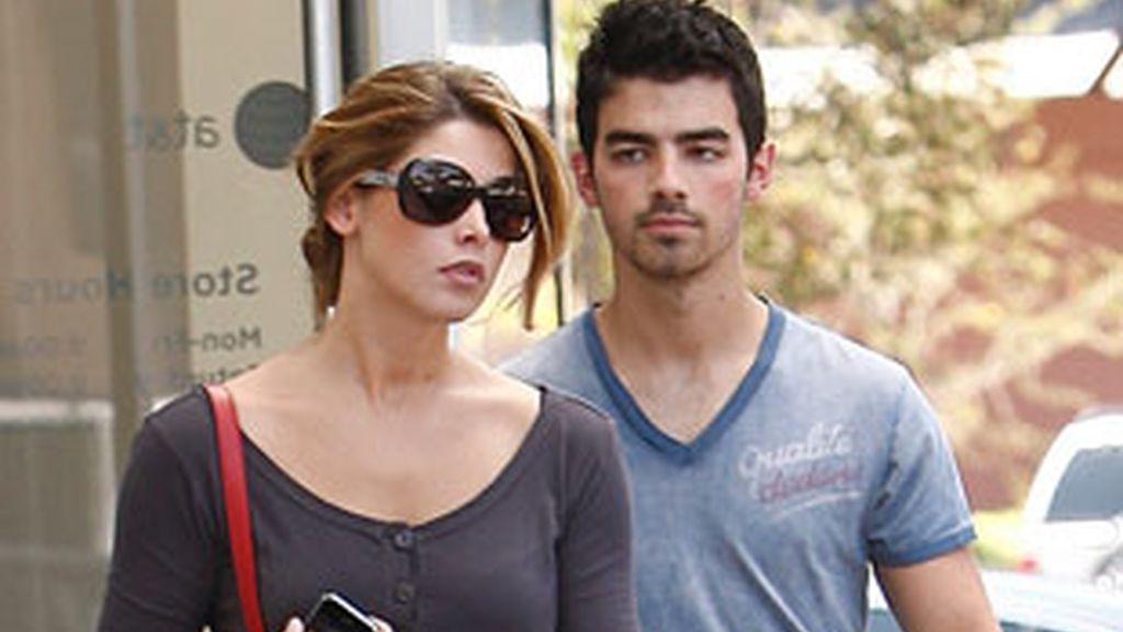 Ashley Greene y Joe Jonas juntos en Los Ángeles a comienzos de agosto. Foto: Gtres