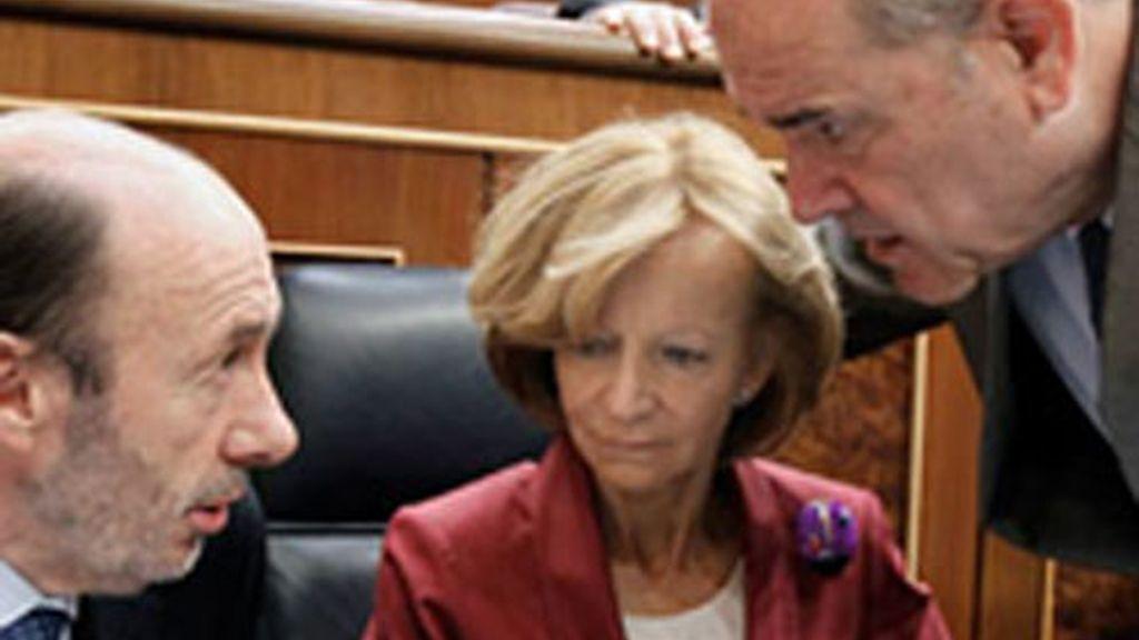 Salgado ha defendido la reforma de la negociación colectiva en el Congreso.