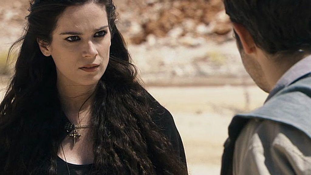 Alexia intenta acabar con Natael...