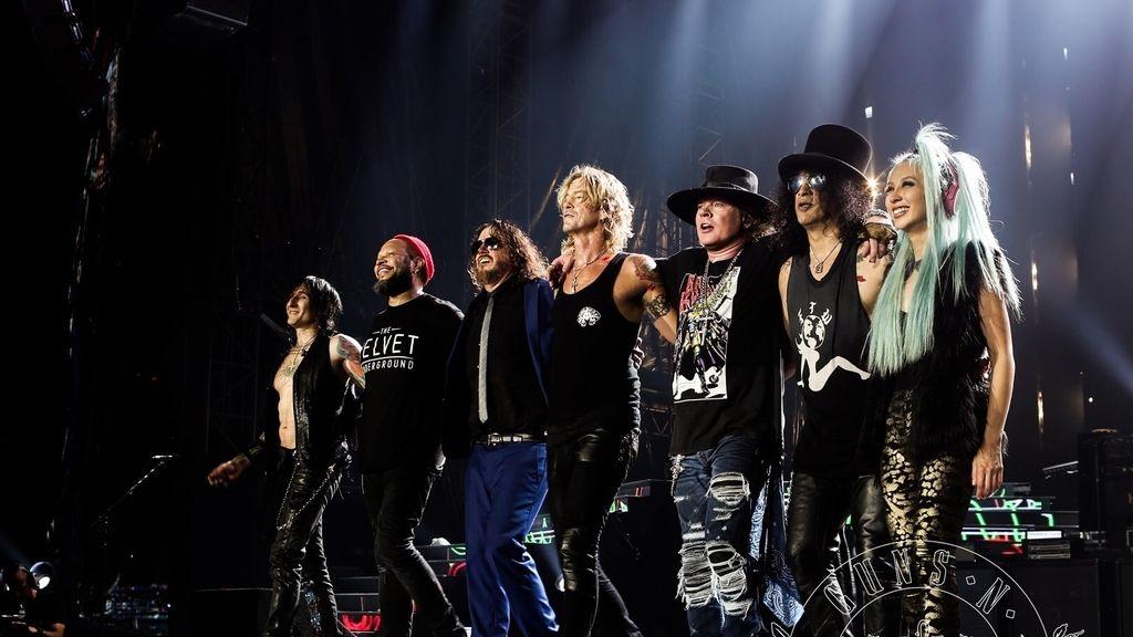 Guns N'Roses, retenidos por posesión de armas en la frontera de Canadá