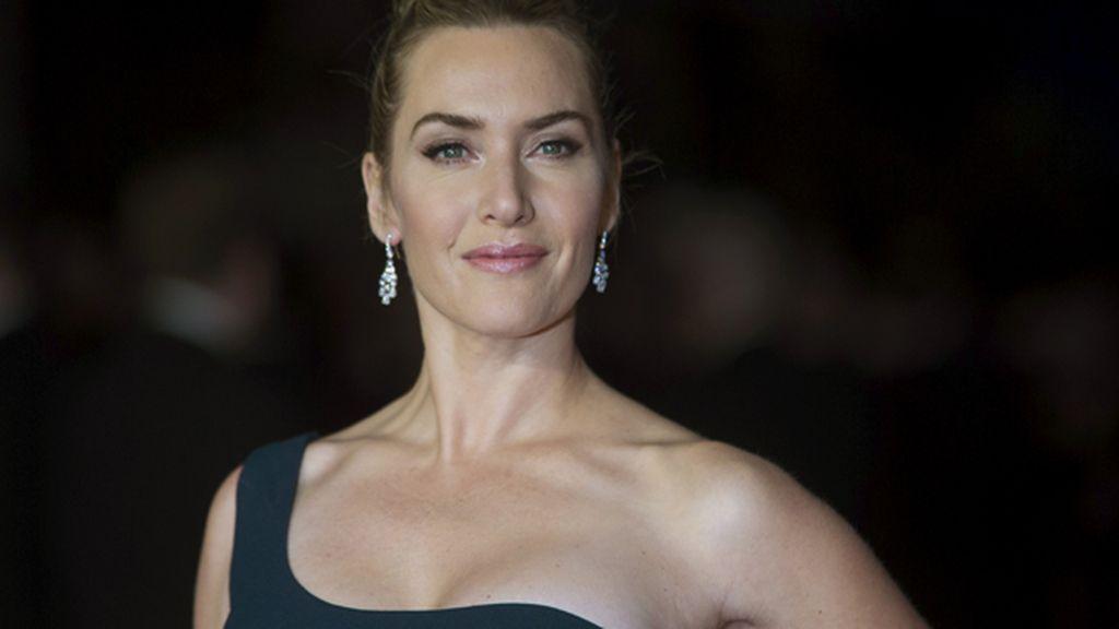 Kate Winslet firma contrato con L'Oreal tras acordar una cláusula contra el retoque fotográfico