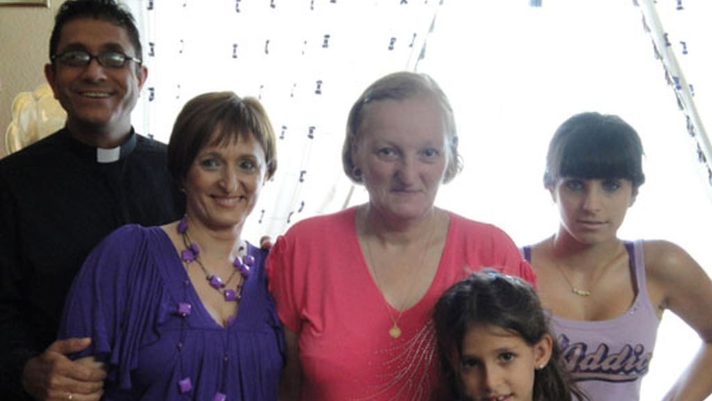La familia adoptiva de Sonia Arenas