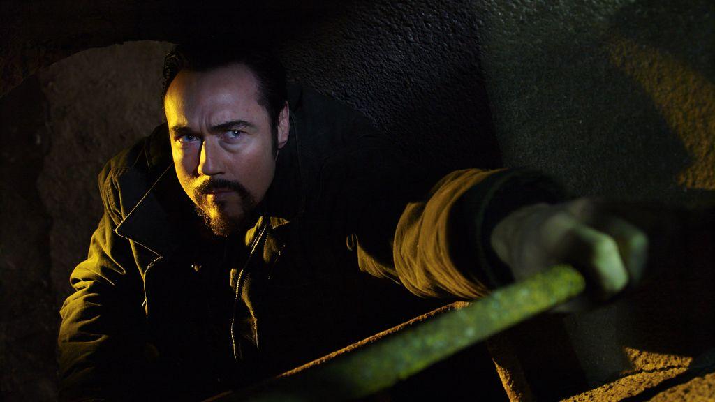 Vasili Fet (interpretado por Kevin Durand)