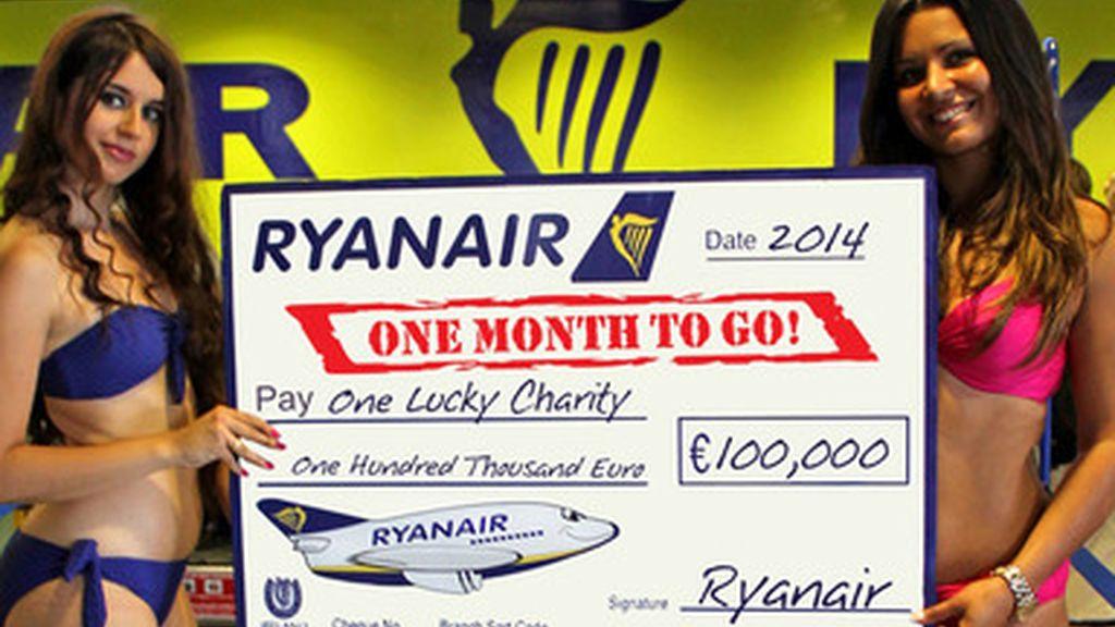 Ryanair,calendario 2014,fines benéficos,azafatas