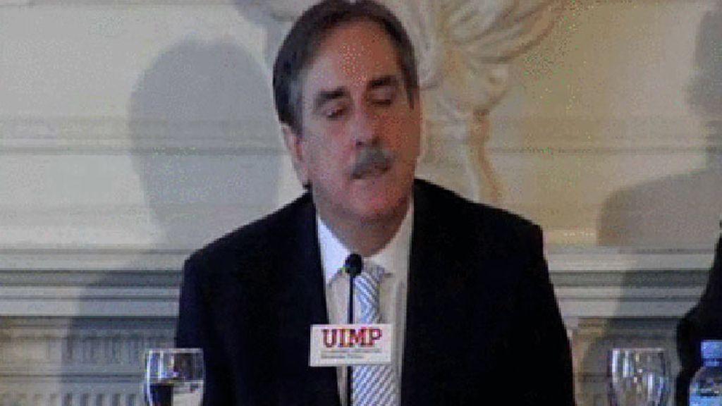 El ministro de Trabajo e Inmigración, Valeriano Gómez