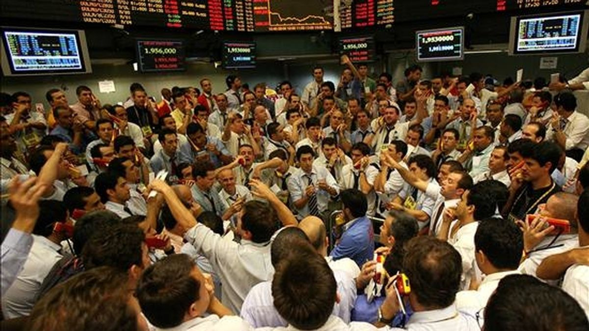 Operadores de la Bolsa de Mercaderías y Futuros de Sao Paulo. EFE/Archivo