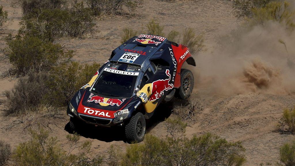 Carlos Sainz gana la novena etapa y se pone líder del Dakar