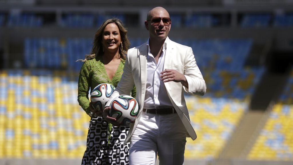 Claudia Leitte y 'Pitbull'