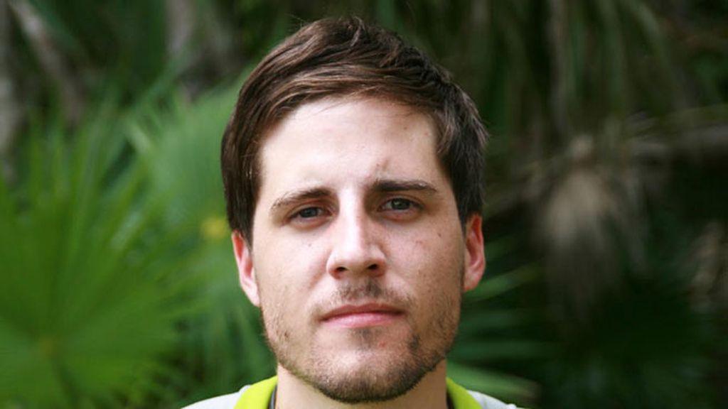 Pablo Ruiz. 25 años. Madrid. Camarero