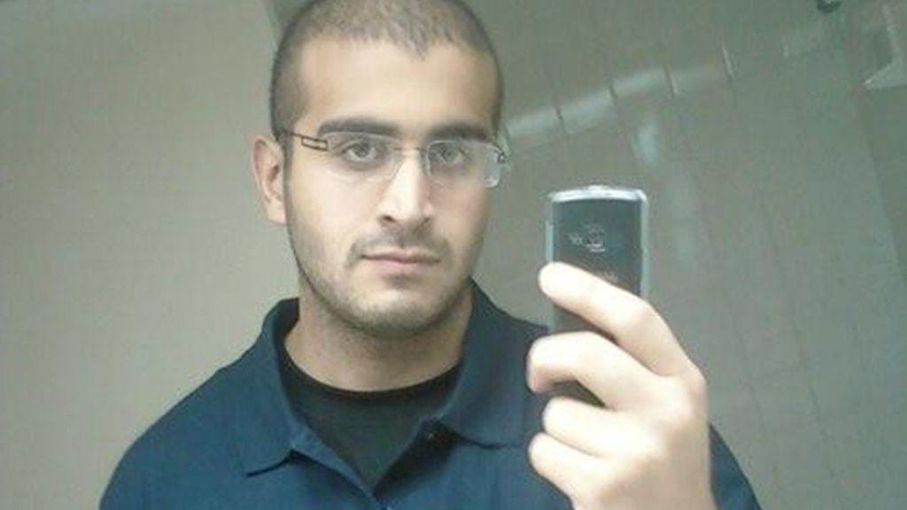 El asesino de Orlando habló cuatro veces con la Policía y amenazó con explosivos