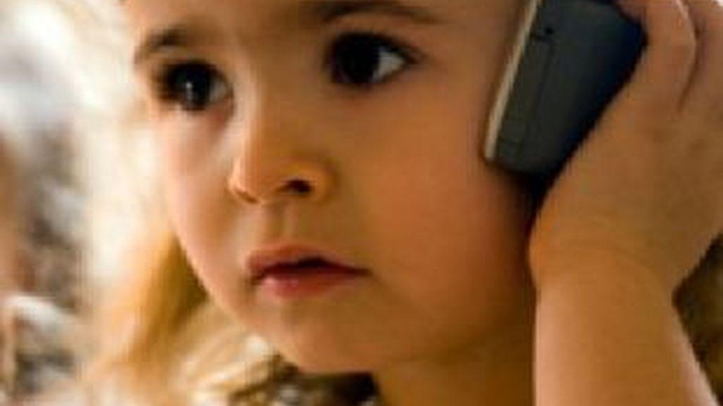 Los campos electromagnéticos de móviles y redes wi-fi son nocivos para los más pequeños, según una nueva investigación de la Agencia Europea para el medioambiente.