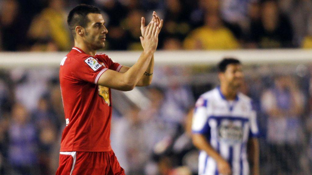 Negredo celebra su gol ante el Deportivo de la Coruña