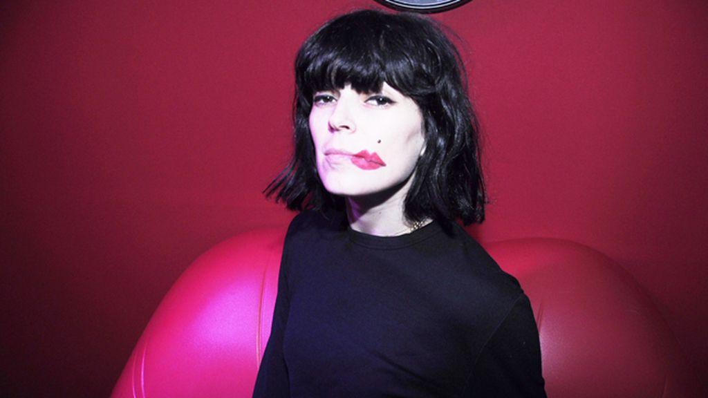 Los labios de Bimba aportaron el toque surrealista que la fiesta necesitaba