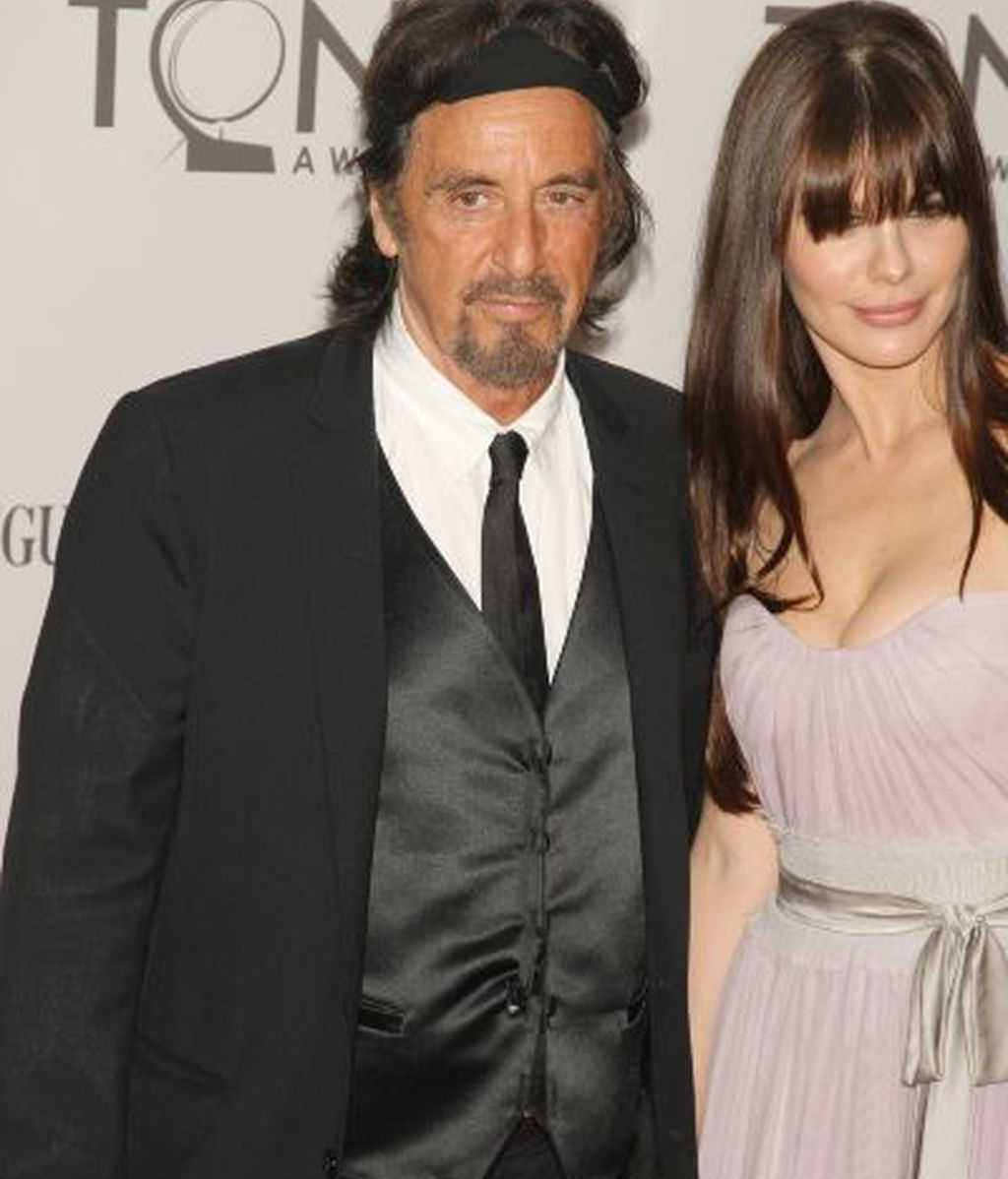 Al Pacino y su acompañante