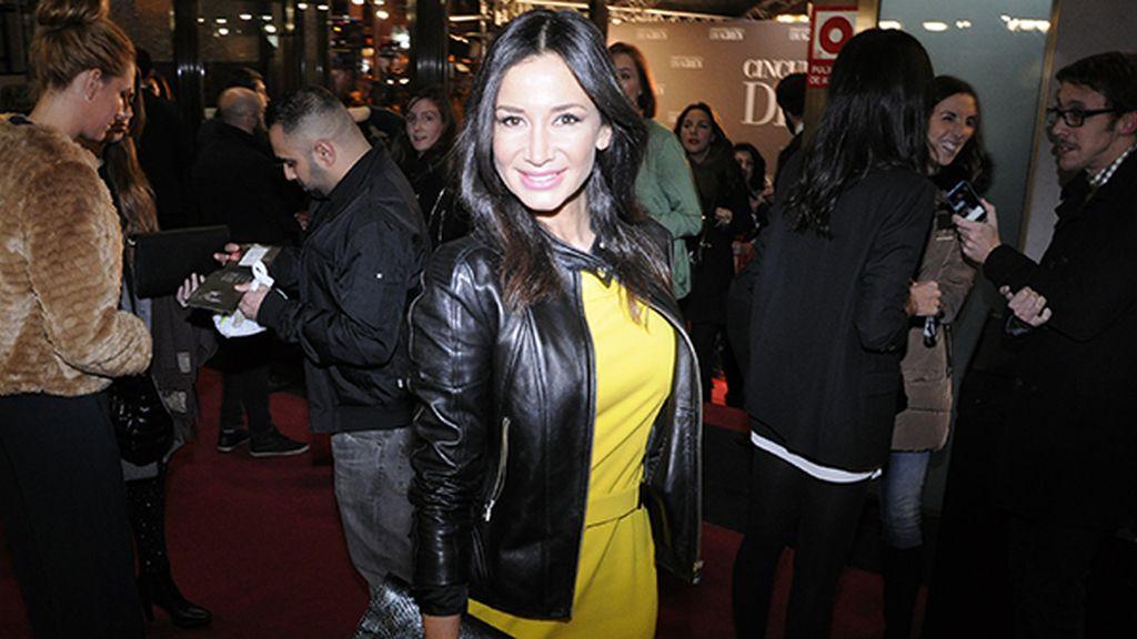 Cecilia Gómez desafiando las supersticiones con este vestido amarillo de Hugo Boss