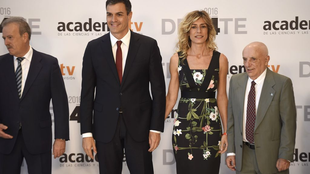 Pedro Sánchez junto a su mujer