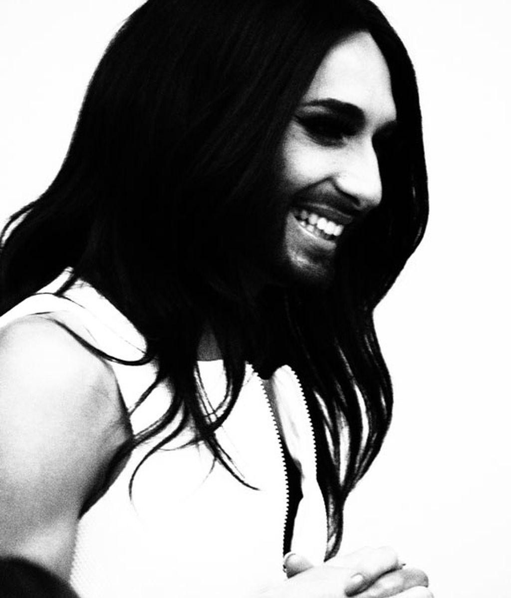 Conchita, en blanco y negro