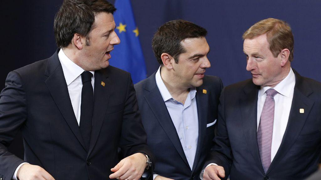 Alexis Tsipras posa en la foto de familia de la cumbre de jefes de Estado y de Gobierno de la Unión Europea