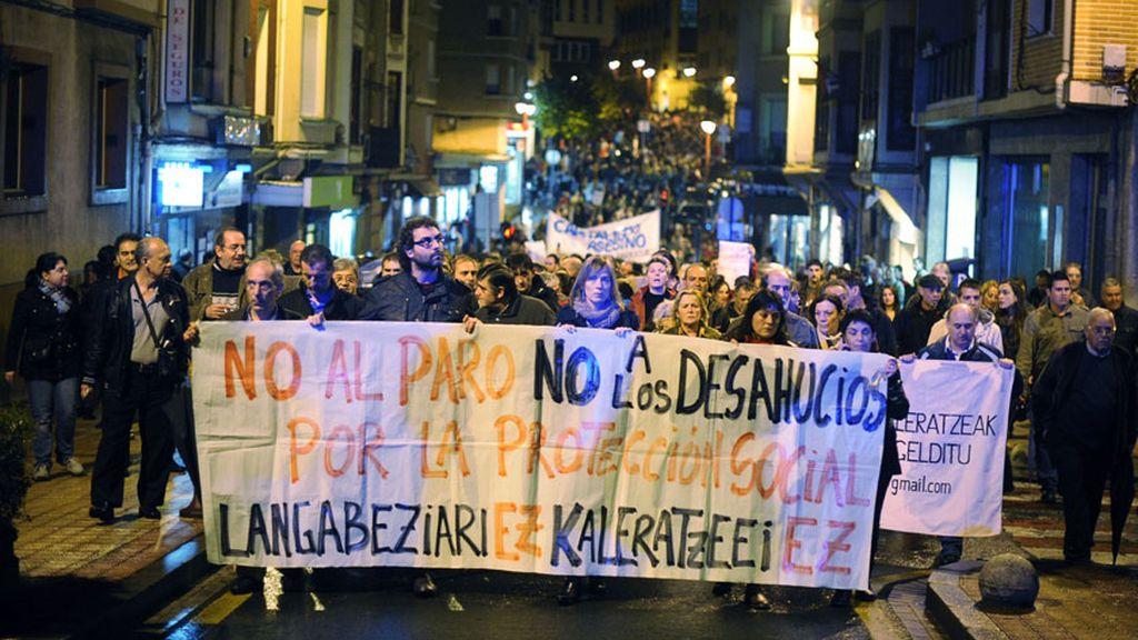 La protesta en Barakaldo contra los desahucios