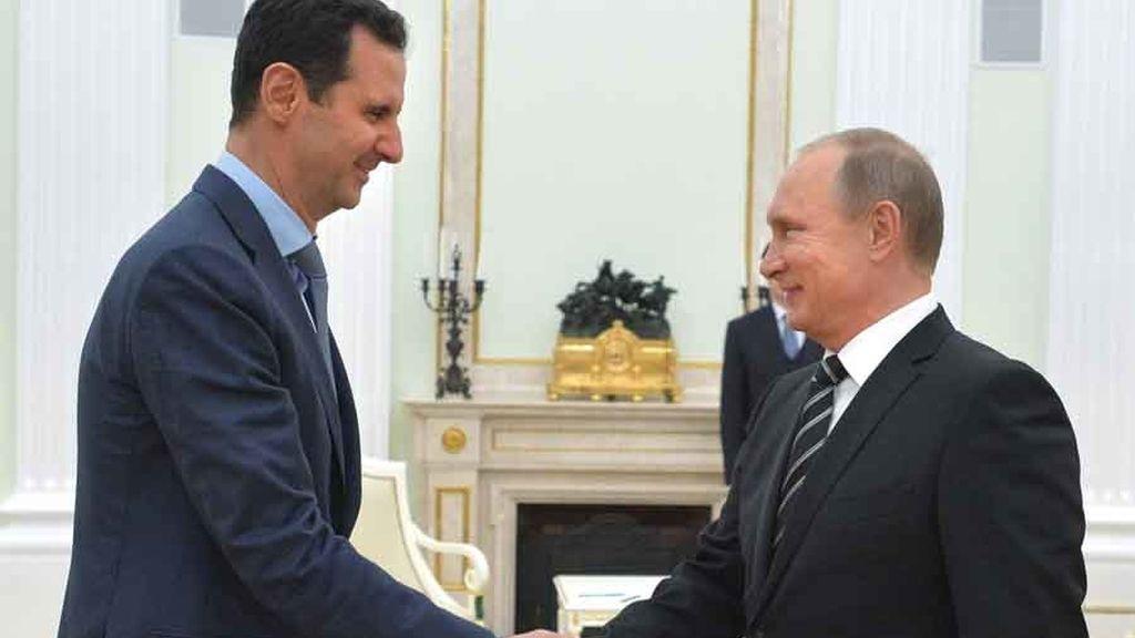 Vladimir Putin y Bashar Al Assad hablan sobre la guerra Siria