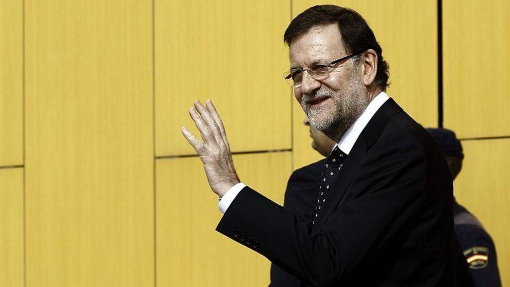 """Rajoy visita al rey y dice que está """"animado y contento"""""""