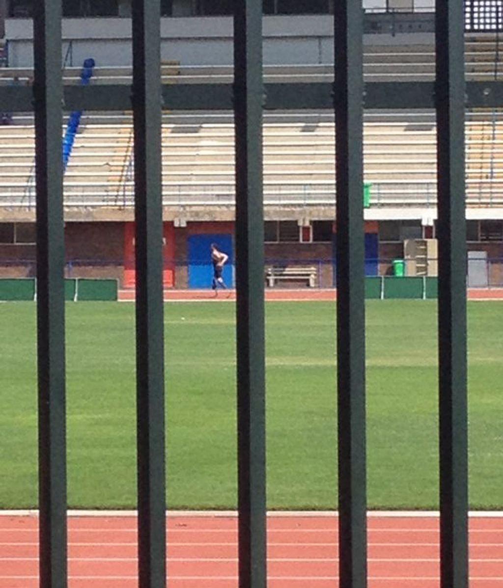 Pistorius vuelve a las pistas de atletismo tras la muerte de su novia