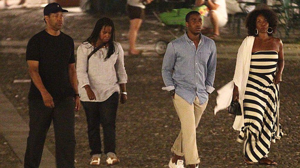 Denzel Washington, merecidas vacaciones en familia